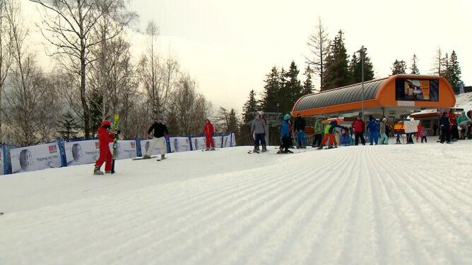 Chcesz nauczyć się jeździć na nartach? Jedź do Karpacza