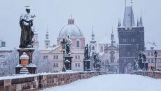 Pół metra śniegu w Czechach, prawie tyle samo na Słowacji. Na Węgrzech powódź